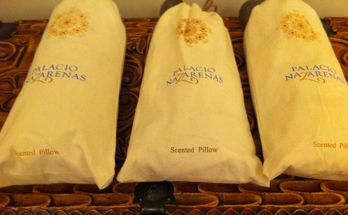 Palacio Nazarenas scented pillows