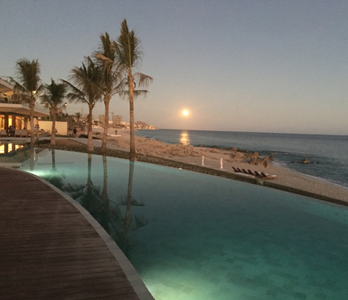 moonrise-over-the-pool-at-dusk