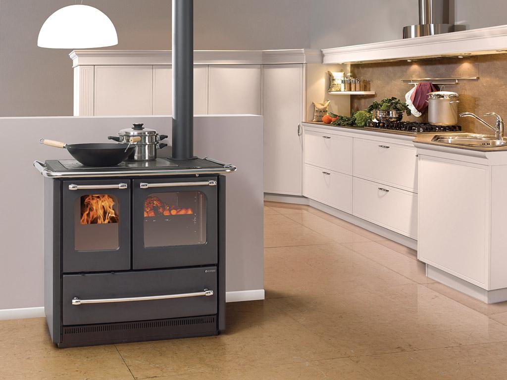 Stufa cucina a legna con telaio e focolare in ghisa u kw