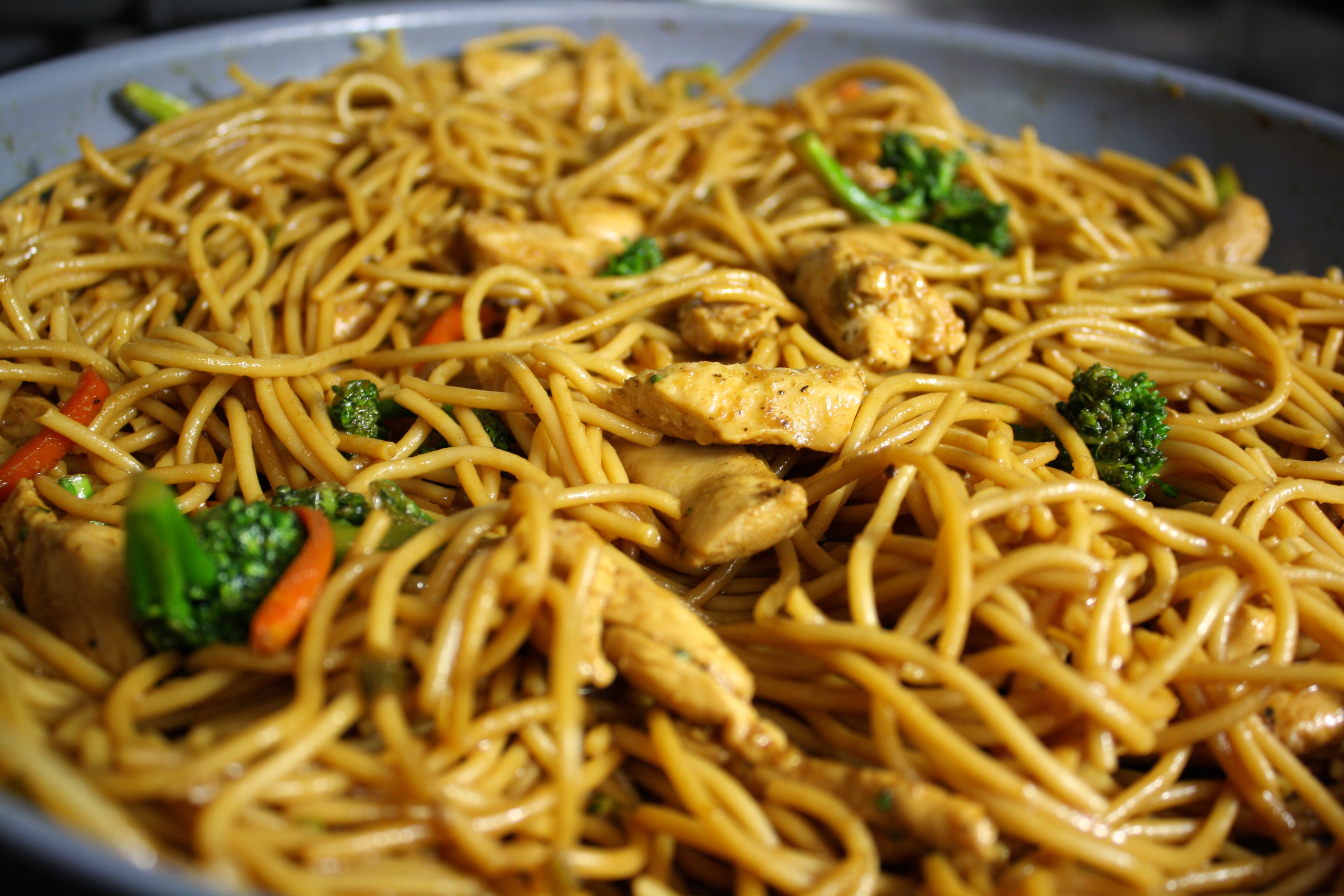 Clean eating chicken lo mein bri healthy chicken lo mein forumfinder Images