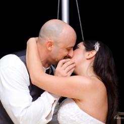 Lopez Moryl Wedding - cake kiss