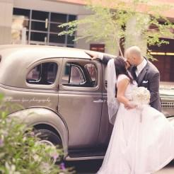 Lopez Moryl Wedding - car kiss