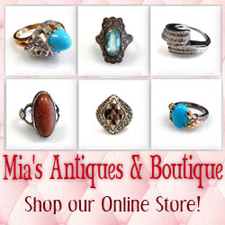 Mia's Antiques and Boutique