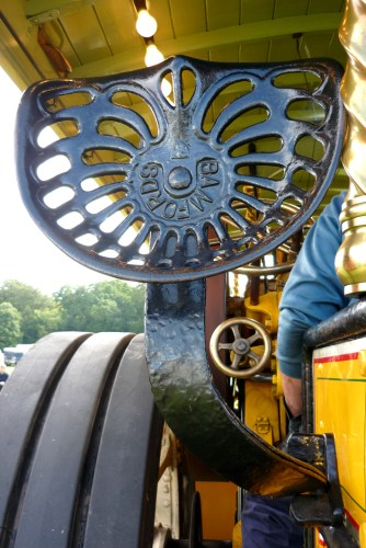 Traction engine seat