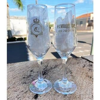 taca-de-champanhe-de-vidro-personalizada-xvdaquetrya