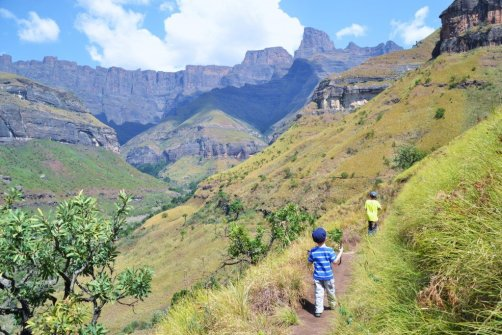 drakensburg south africa hiking