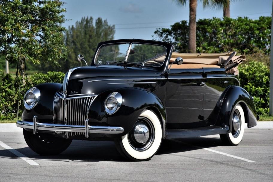 1939 Ford Deluxe 4-Door Convertible