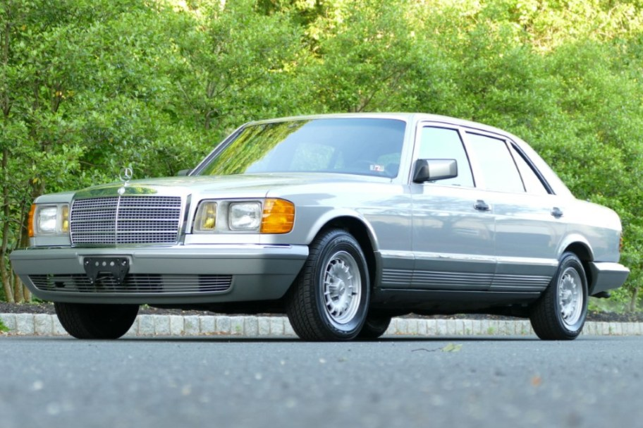 20k-Mile 1985 Mercedes-Benz 500SEL