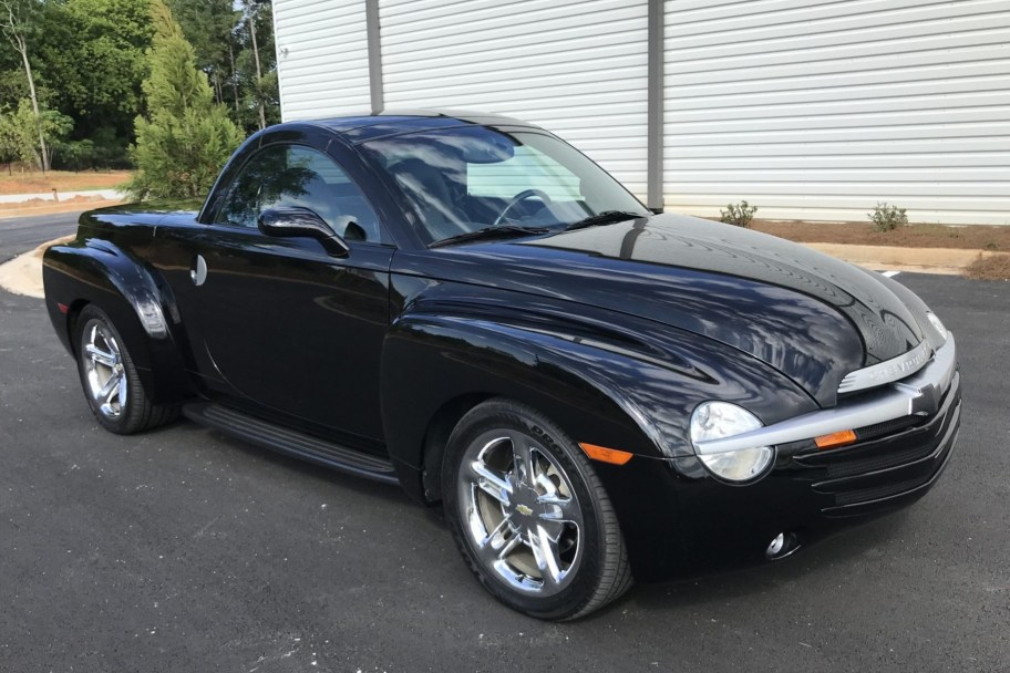 3k-Mile 2005 Chevrolet SSR 6-Speed