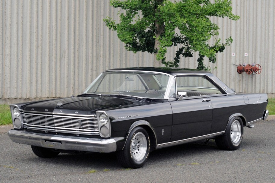 460-Powered 1965 Ford Galaxie 500 LTD 5-Speed