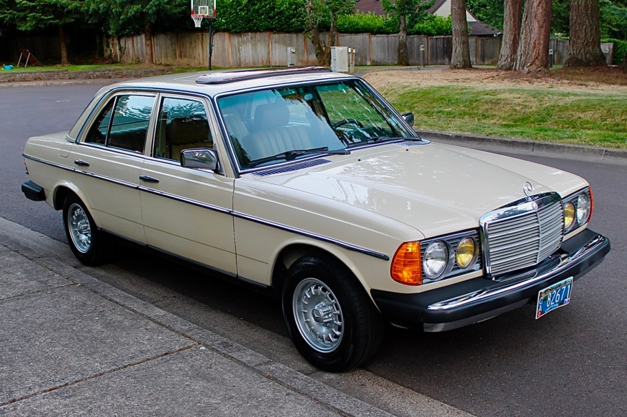 1982 Mercedes-Benz 300D Turbo