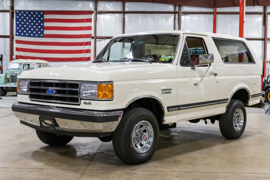 29-Mile 1991 Ford Bronco XLT 4x4 5-Speed