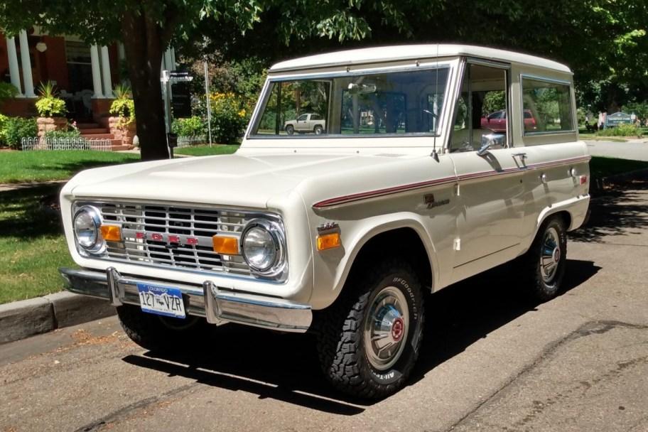Restored 1971 Ford Bronco 302ci 3-Speed