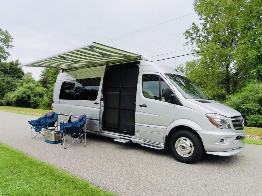 2019 Airstream Interstate Tommy Bahama Grand Tour Relax Edition