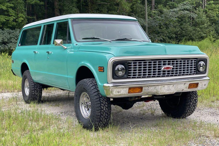 Vortec-Powered 1972 Chevrolet Suburban 4x4