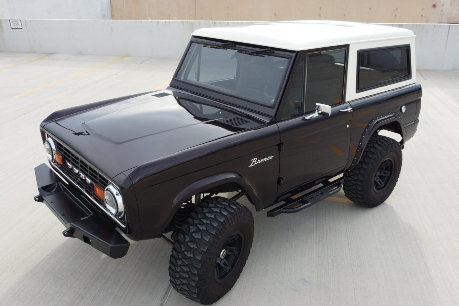 1972 Ford Bronco 5-Speed