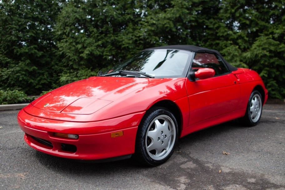 8,900-Mile 1991 Lotus Elan M100