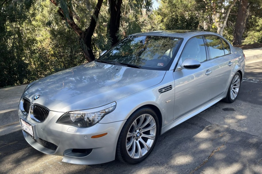 2009 BMW M5 6-Speed