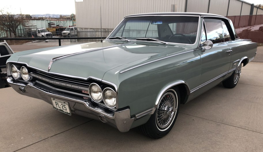 1965 Oldsmobile Cutlass 442 Holiday Hardtop