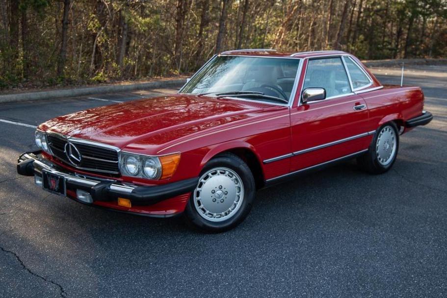 No Reserve: 6k-Mile 1988 Mercedes-Benz 560SL
