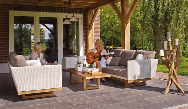 4 Easy Ways to Make the Most of Your Outdoor Living Space