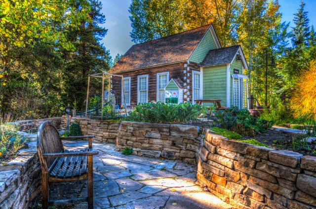 4 Tips For Downsizing To A Smaller Home
