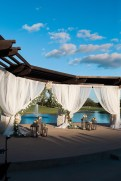 outdoor-wedding-ceremonies-at-briscoe-manor-010