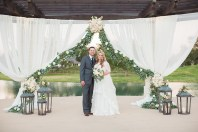 outdoor-wedding-ceremonies-at-briscoe-manor-021