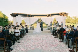 outdoor-wedding-ceremonies-at-briscoe-manor-027