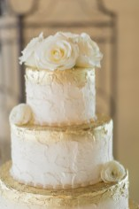 photos-of-wedding-cakes-at-briscoe-manor-025