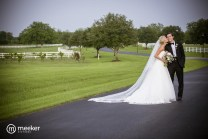 photos-of-brides-grooms-at-briscoe-manor-048