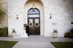 photos-of-brides-grooms-at-briscoe-manor-063