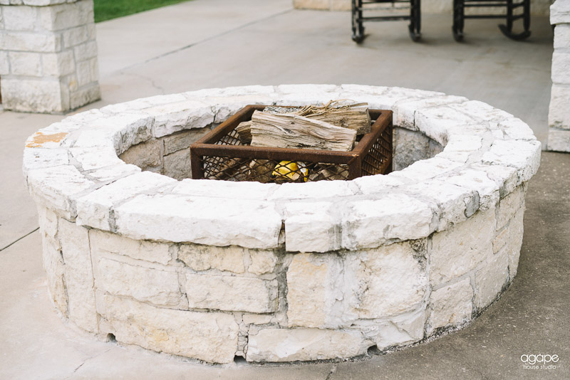 briscoe-manor-lakeside-fire-pit-00005
