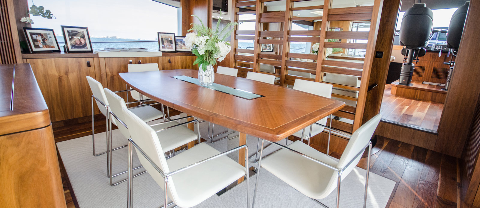 Sunseeker 86 Yacht - Dining