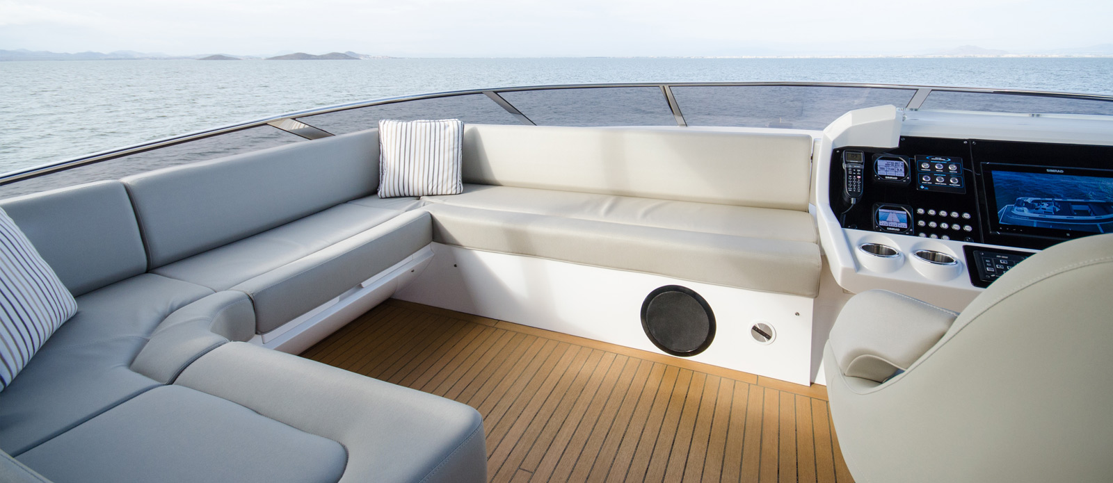Sunseeker 86 Yacht - Flybridge-Seating