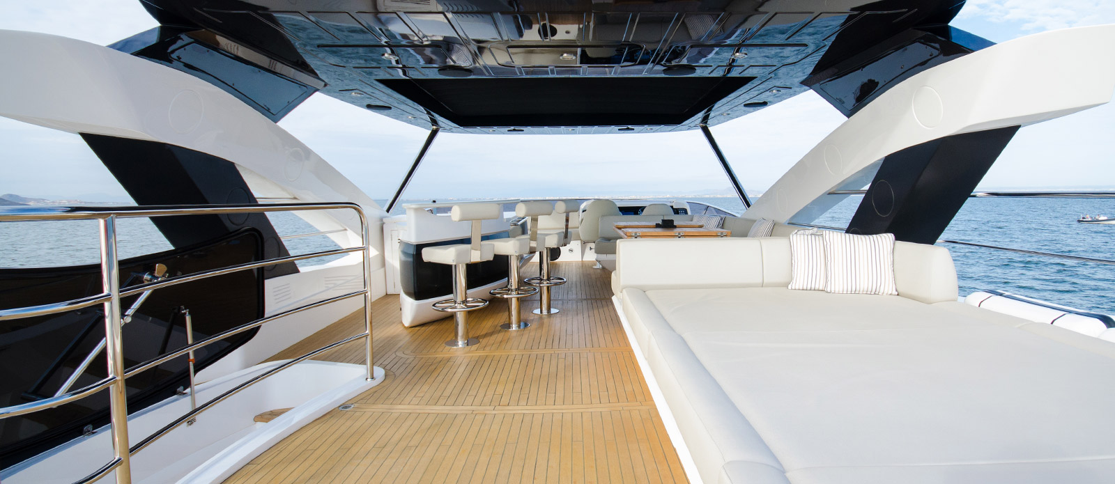 Sunseeker 86 Yacht - Flybridge