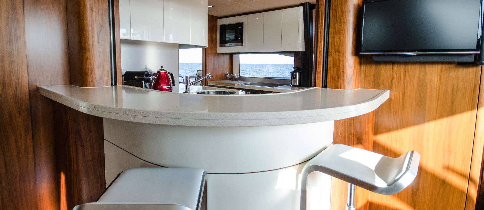 Sunseeker 86 Yacht - Galley-Bar-Area