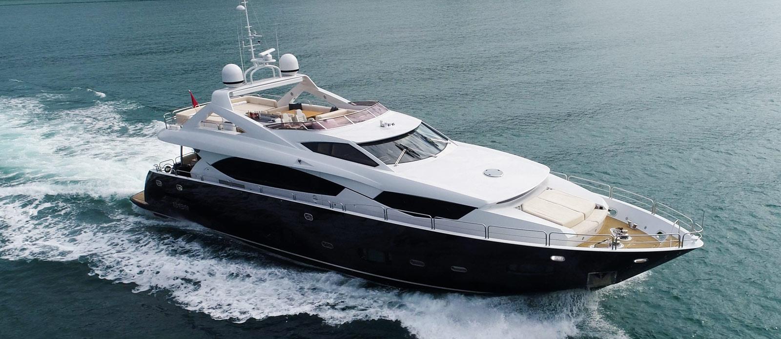 Sunseeker-30-Metre-Yacht-Coraysa-Cruising-Overhead