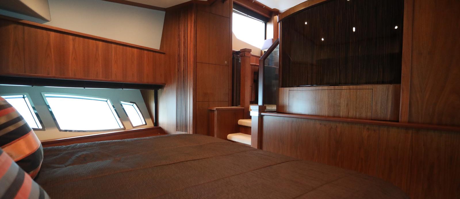 Sunseeker-30-Metre-Yacht-Coraysa-Junior-Suite-2