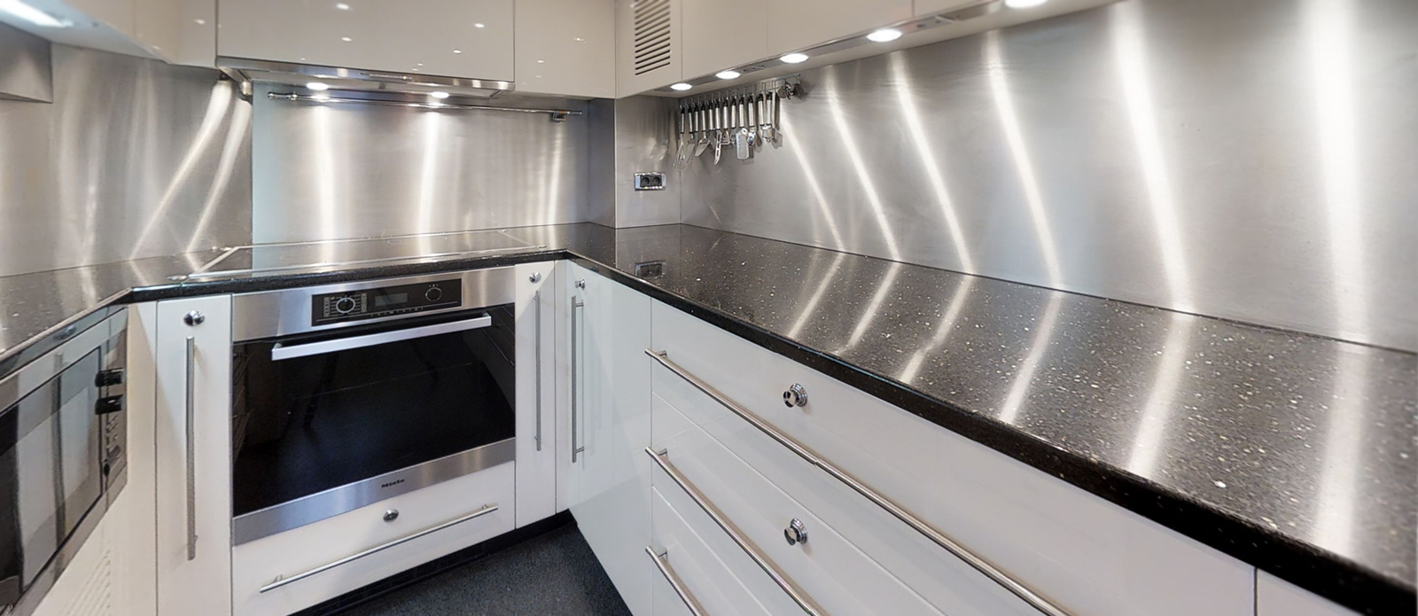 Sunseeker 34m Galley - White Pearl