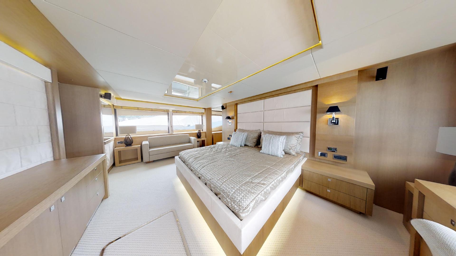 Manhattan-Express-II-Master Cabin