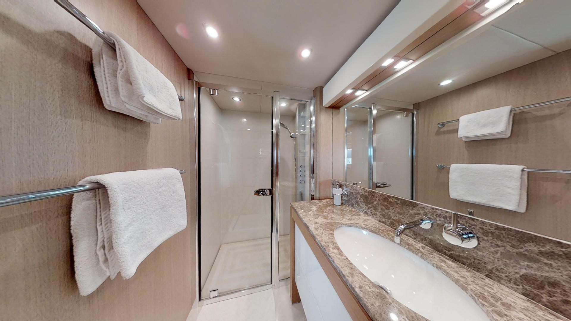 Manhattan-Express-II-VIP En-Suite