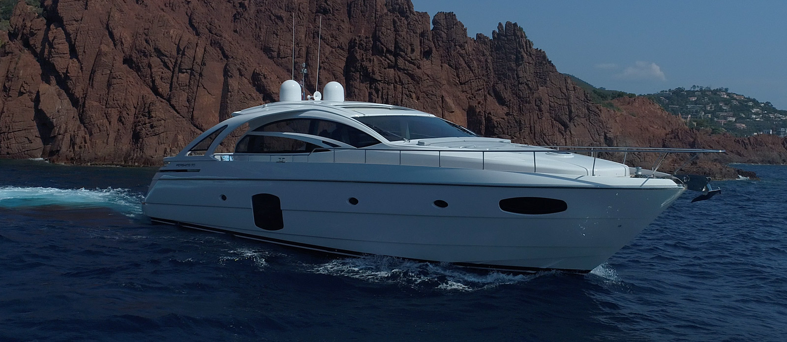 Pershing 70 - Ritmo De Vida - Bow-On