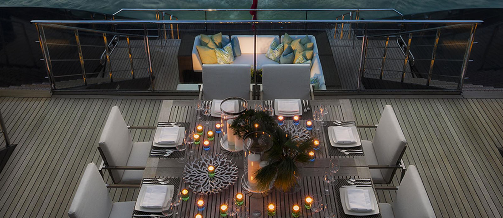 Ocean Emerald -Exterior Dining