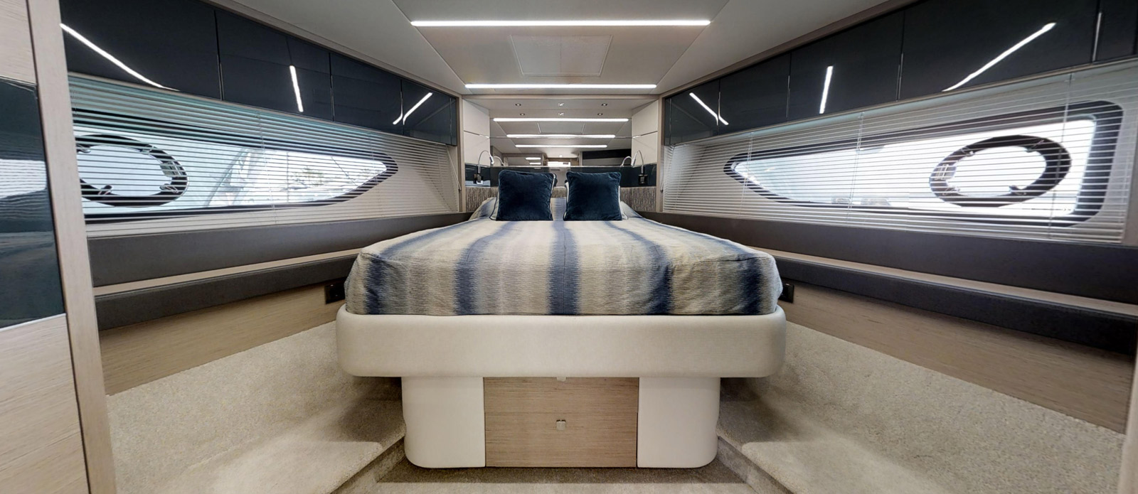 Sunseeker 74 Predator - Forward-Cabin