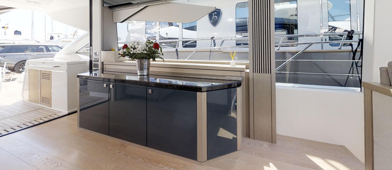 Sunseeker 74 Predator - Saloon-TV-Cabinet