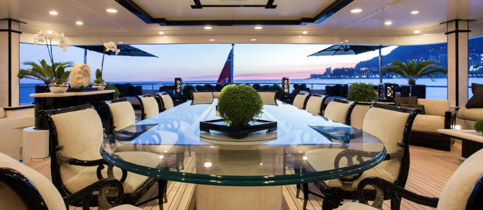Lioness V-Benetti-Exterior-Dining