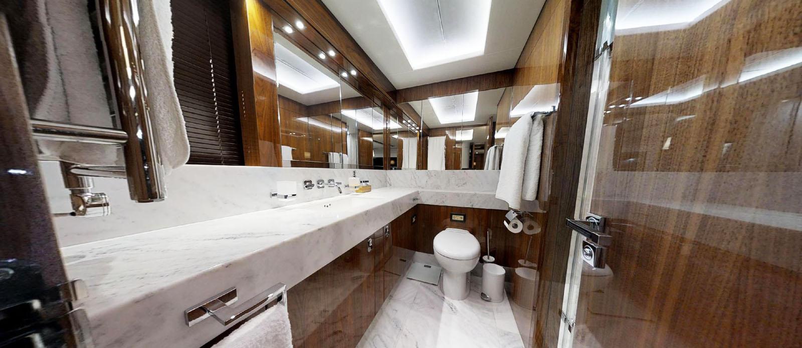 Sunseeker-86-Yacht-MiBowt-Guest-Cabin-En-Suite