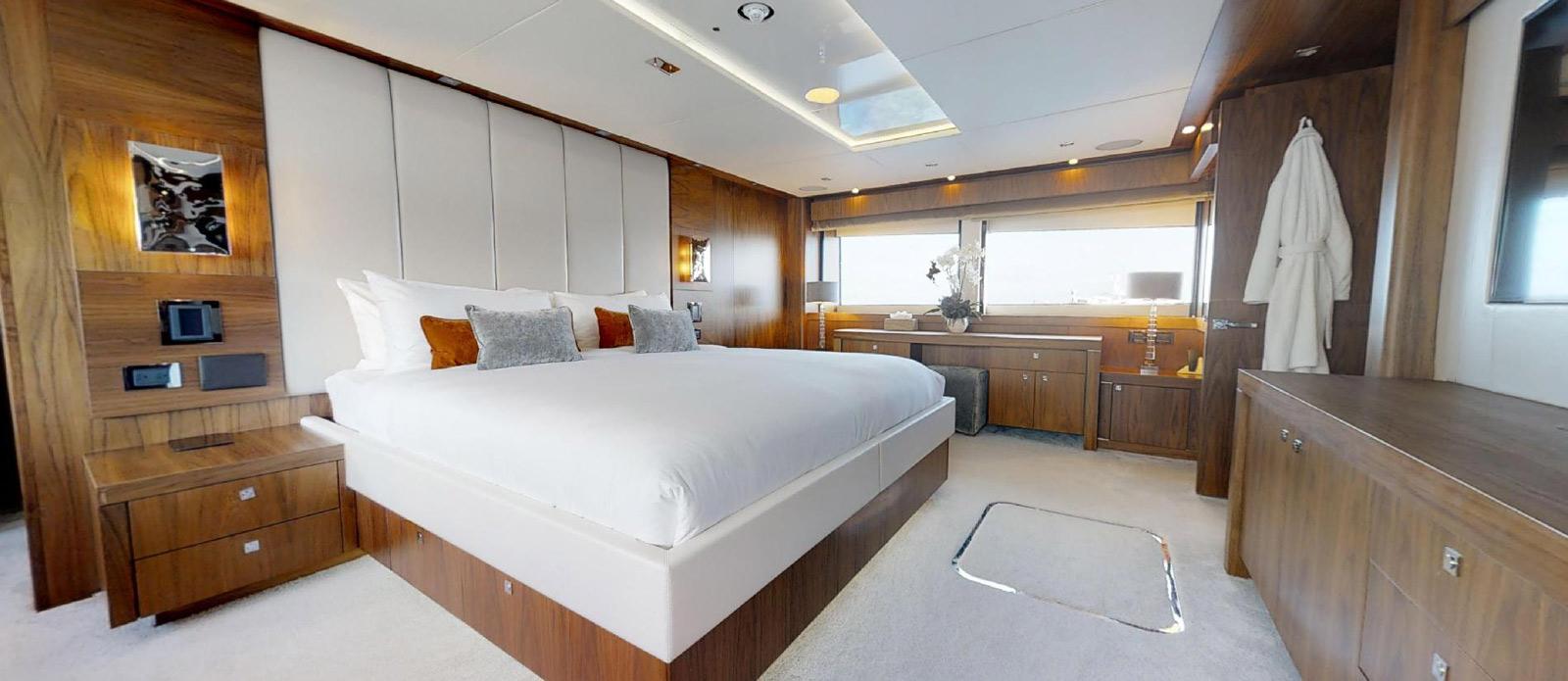 Sunseeker-115-Sport-Yacht-Zulu-Master-Cabin-3