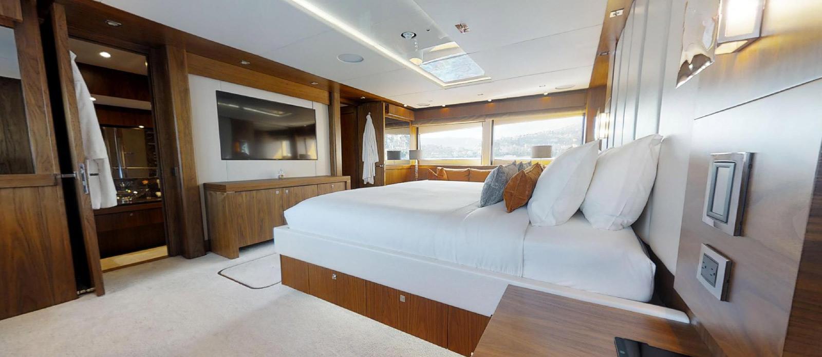 Sunseeker-115-Sport-Yacht-Zulu-Master-Cabin-6